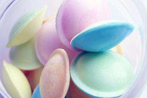 Pastell Lebensmittel Süßwaren Brausepulver Esspapier Ernährung Lifestyle Design Geburtstag Kindergeburtstag liegen ästhetisch Coolness trendy retro rund sauer