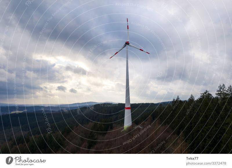 #Windrad im Wald Winter Energiewirtschaft Erneuerbare Energie Windkraftanlage Umwelt Natur Landschaft ästhetisch Farbfoto Außenaufnahme Luftaufnahme