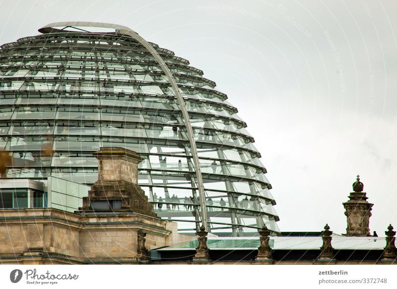 Reichstagskuppel Deutscher Bundestag Architektur modern Berlin Dämmerung Deutschland Hauptstadt Parlament Regierung bannkreis Regierungssitz Regierungspalast
