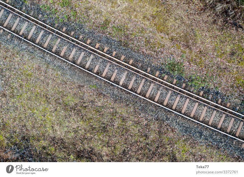 #Eisenbahngleise von Oben Winter Verkehr Verkehrsmittel Verkehrswege Personenverkehr Öffentlicher Personennahverkehr Berufsverkehr Schienenverkehr Bahnfahren