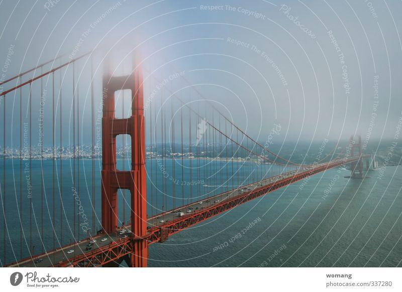 Die Goldene Brücke Himmel Ferien & Urlaub & Reisen blau Stadt Wasser Meer rot Architektur außergewöhnlich träumen PKW Nebel genießen Brücke fahren Bauwerk