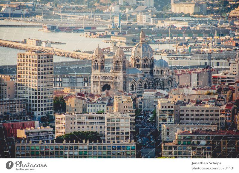 Cathédrale Sainte-Marie-Majeure de Marseille Farbfoto Sandstein Himmel (Jenseits) Frankreich Südfrankreich Kuppeldach Gott Katholizismus Sommerurlaub