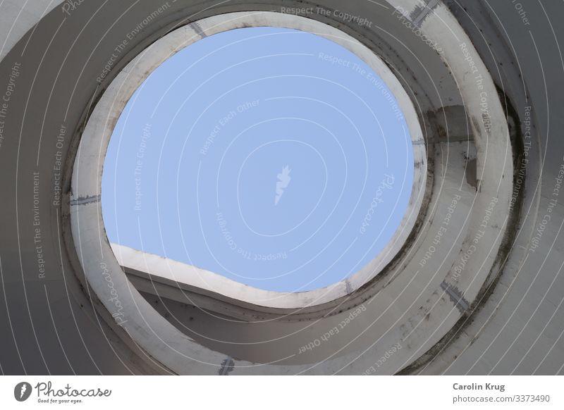 Licht am Ende/ Spirale zum Himmel Lifestyle Design Renovieren Treppe Erwachsenenbildung Unternehmen Fortschritt Zukunft Informationstechnologie Stadt Brücke