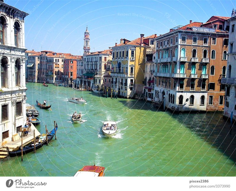 Boats on Canal Grande in Venice Ferien & Urlaub & Reisen Sommer architecture blue boat building canal channel Großstadt cityscape Europa european famous