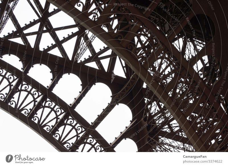 Stark und Filigran Ferien & Urlaub & Reisen Tourismus Städtereise Paris Stadt Hauptstadt Menschenleer Turm Bauwerk Architektur Trägerkonstruktion