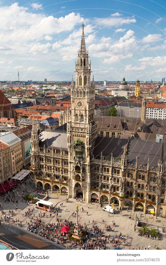 Münchner Rathaus am Marienplatz, dem zentralen Platz in der Münchner Innenstadt, Deutschland. Europa München Bayern Stadt Sehenswürdigkeit historisch