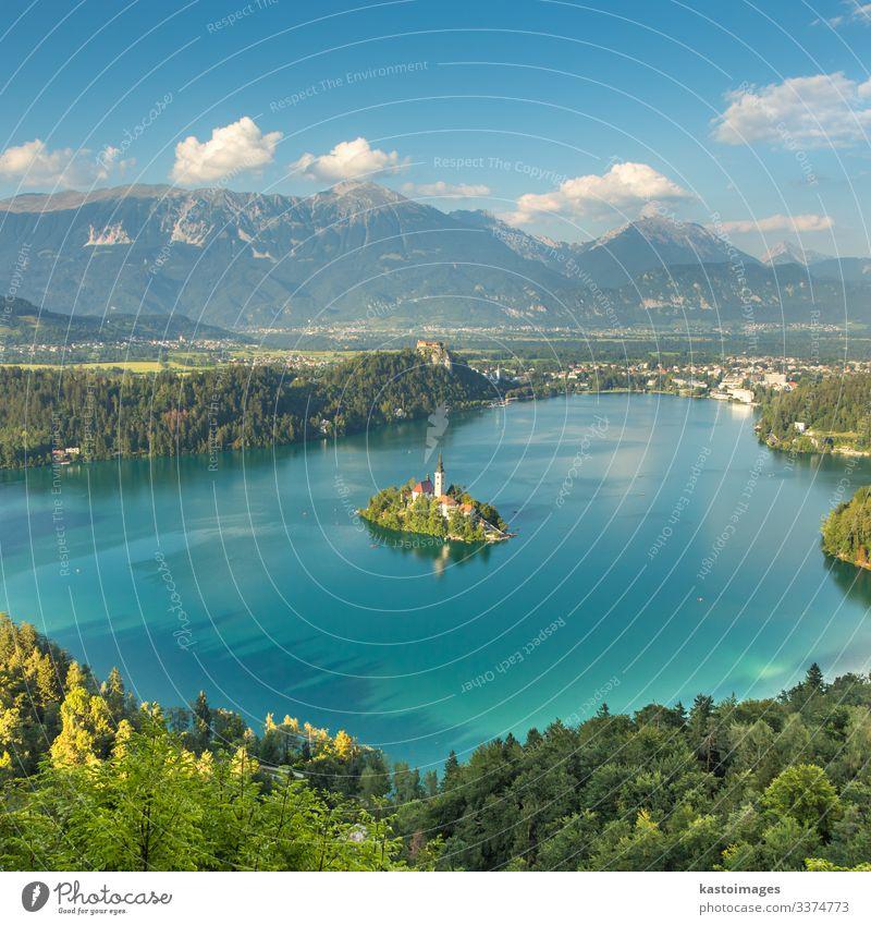 Panoramablick auf den Bleder See, Slowenien schön Ferien & Urlaub & Reisen Tourismus Insel Berge u. Gebirge Natur Landschaft Herbst Wald Hügel Alpen Dorf Stadt