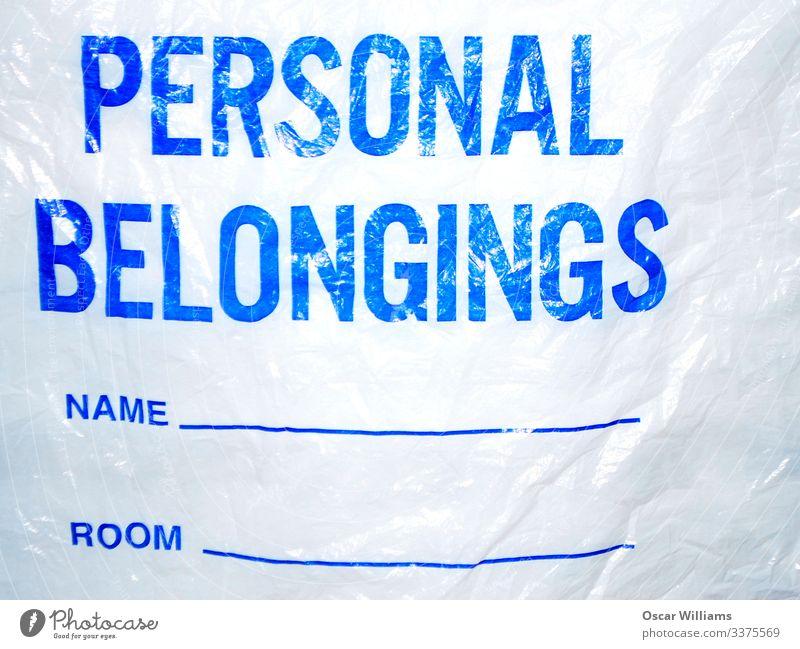 Tasche für persönliche Gegenstände. Kunststoffverpackung Sack Container Schriftzeichen Schilder & Markierungen Hinweisschild Warnschild gebrauchen tragen frei