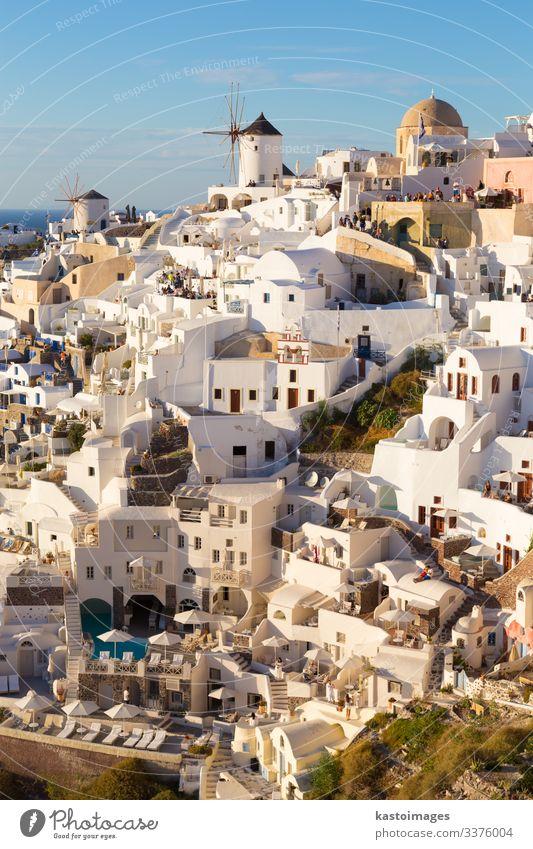 Dorf Oia bei Sonnenuntergang, Insel Santorin, Griechenland. schön Ferien & Urlaub & Reisen Tourismus Sommer Meer Haus Kultur Natur Landschaft Himmel Vulkan
