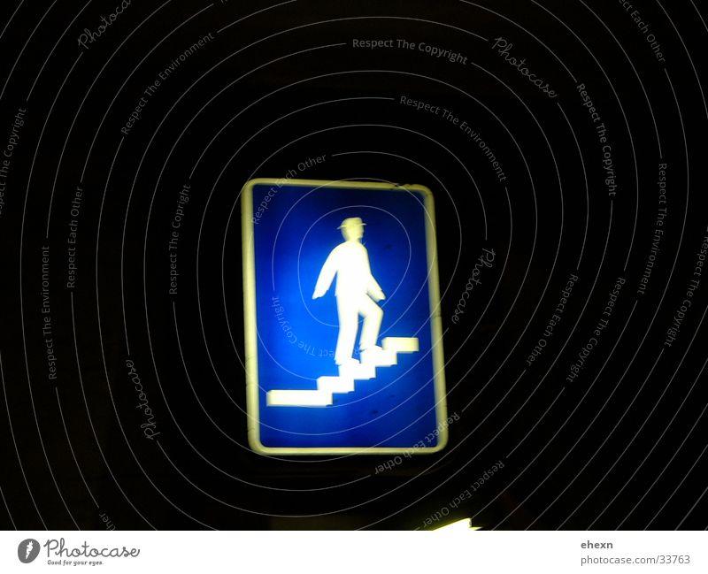 die Treppe laufen in blau blau Schilder & Markierungen Treppe Dinge Hinweisschild Signal