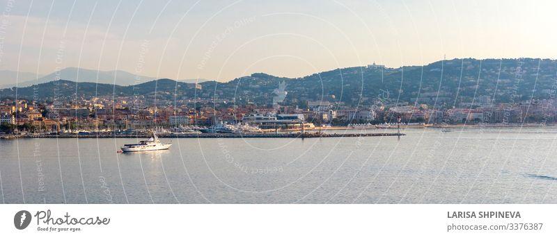 Panoramablick auf Cannes, Küstenlinie Cote d'Azur, Frankreich Reichtum schön Ferien & Urlaub & Reisen Tourismus Sommer Strand Meer Landschaft Stadt Hafen