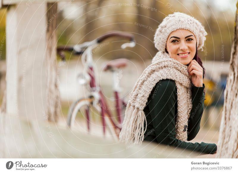 Mädchen mit Fahrrad Lifestyle elegant Glück schön Körper Leben Ferien & Urlaub & Reisen Ausflug Sommer Sonne Mensch Junge Frau Jugendliche Erwachsene Arme 1