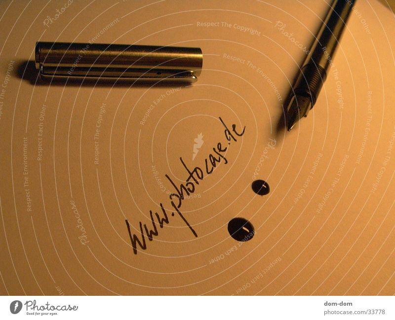 Füller mit Tinte 2 Wassertropfen Schriftzeichen Medien Füllfederhalter