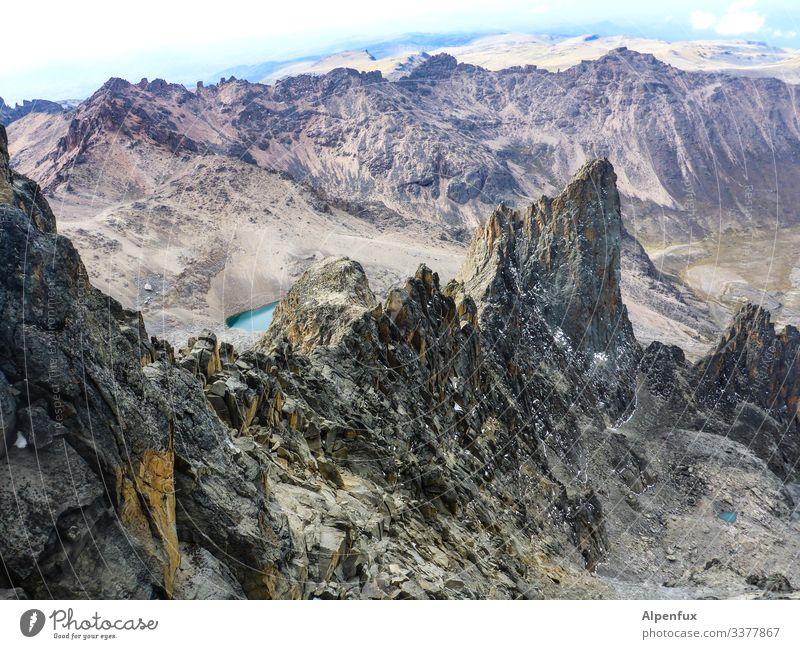 Mount Kenia Umwelt Natur Landschaft Urelemente Schönes Wetter Hügel Felsen Berge u. Gebirge Gipfel Schneebedeckte Gipfel Vulkan außergewöhnlich hoch Coolness