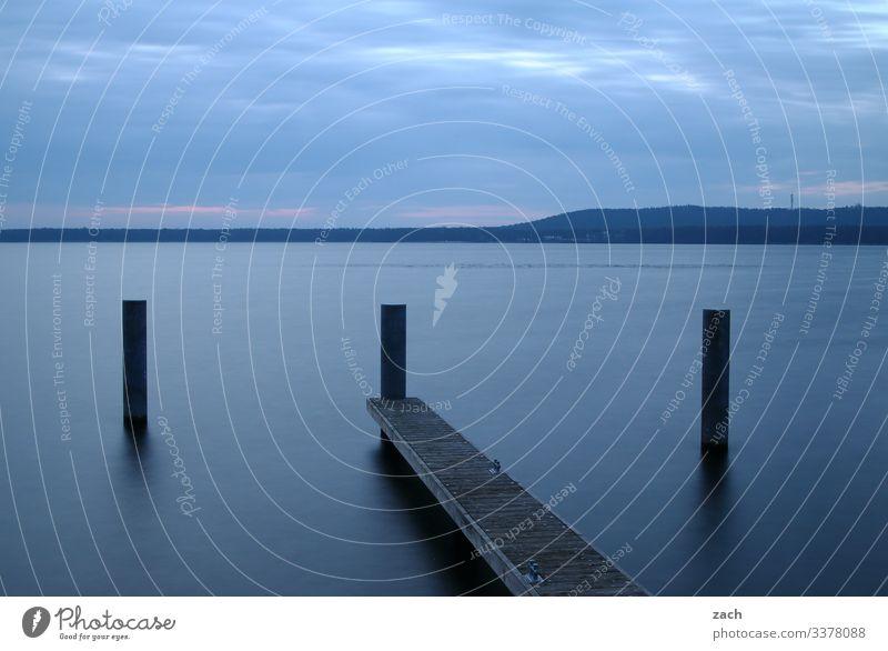 Langzeitbelichtung am See mit Steg und Ufer Reflexion & Spiegelung Morgen Morgendämmerung Kontrast Textfreiraum unten Textfreiraum oben Außenaufnahme