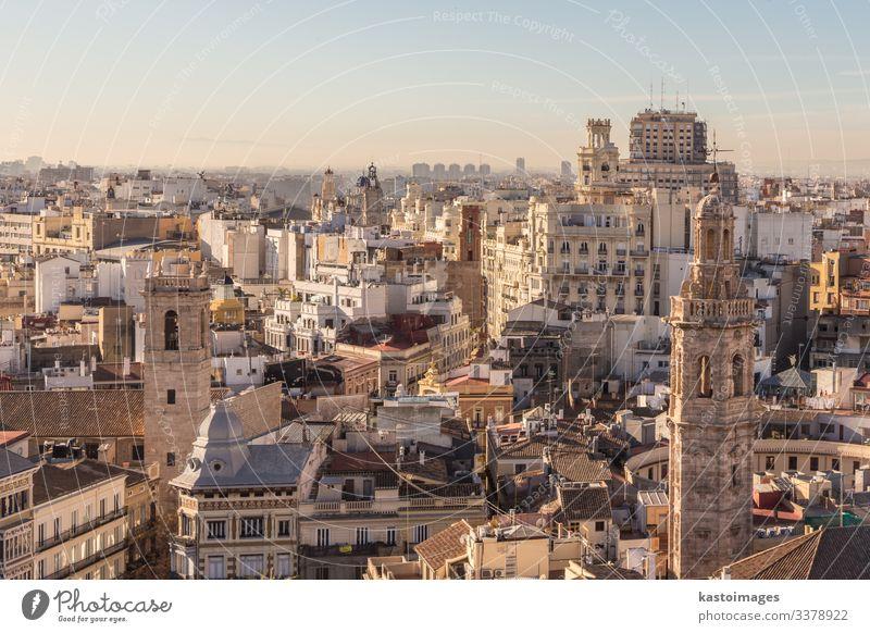 Stadtlandschaftliche Luftaufnahme von Gebäuden in Valencia, Spanien. Ferien & Urlaub & Reisen Tourismus Landschaft Horizont Wärme Stadtzentrum Skyline Kirche