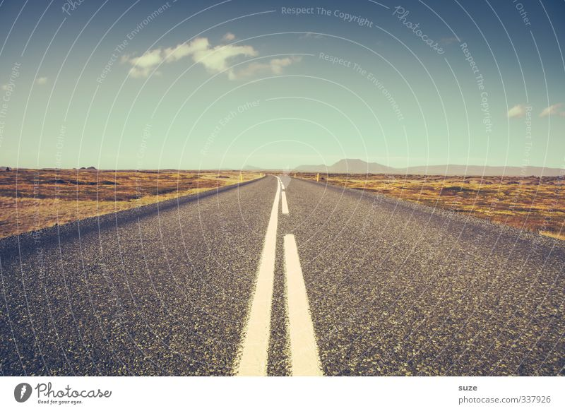 On Tour Ferne Freiheit Umwelt Himmel Wolken Horizont Klima Schönes Wetter Wiese Straße Wege & Pfade Autobahn Linie Unendlichkeit Ziel Island Bahn Verlauf