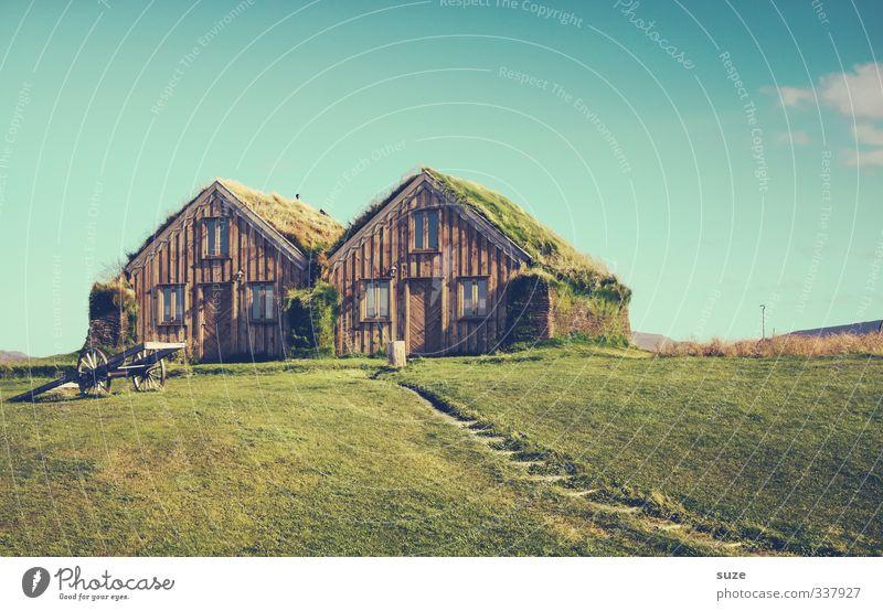 Doppelhausganzes Himmel Natur blau grün Wolken Haus Umwelt Fenster Wiese Gras Wege & Pfade Wohnung Idylle Häusliches Leben Wachstum paarweise