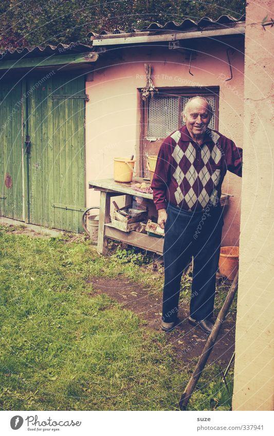 Frag Opa, er hat was du suchst Mensch Mann alt Erwachsene Senior lachen Glück Garten Mode maskulin Freizeit & Hobby Zufriedenheit authentisch Lächeln