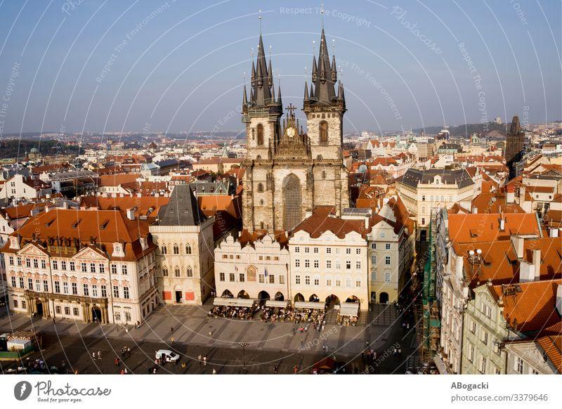 Altstadt in der Stadt Prag in Tschechien oben Architektur Barock Gebäude Kapital Kathedrale Zentrum Kirche Großstadt Stadtbild Kultur Tschechen Ausflugsziel