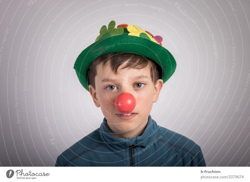 Clown Party Veranstaltung Feste & Feiern Karneval Kind Gesicht Nase 1 Mensch 8-13 Jahre Kindheit Hut Spielen Stimmung Freude Coolness lachen Spaßgesellschaft