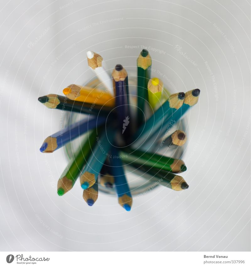 Buntstiftstrudel Basteln Zeichenstift malen gestalten Kreativität Kindheit Schreibwaren Papier Schreibstift Holz Glas lernen zeichnen schreiben hell mehrfarbig