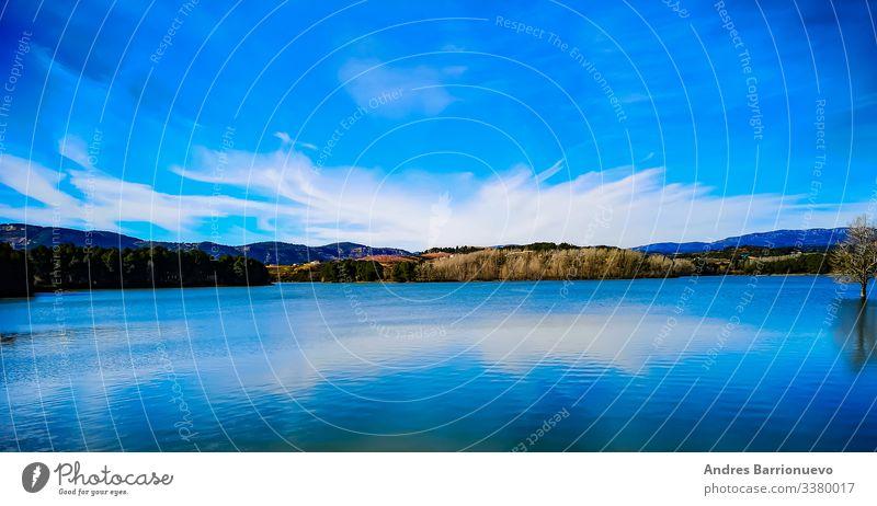 Ferien & Urlaub & Reisen Tapete Natur Landschaft Himmel Wolken Horizont Klima Wald See blau weiß Einsamkeit Idylle Wasser ruhige Umgebung Hintergründe