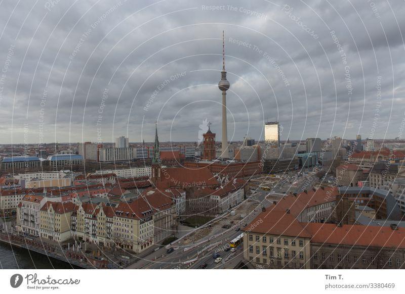 der Himmel über Berlin Mitte Berlin-Mitte Stadt Menschenleer Textfreiraum Stadtzentrum Architektur Haus Deutschland Großstadt Skyline Hauptstadt Tourismus