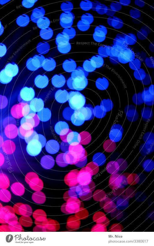Blaulicht  - 6 - mehrfarbig Lichtspiel Reflexion & Spiegelung glänzend Farbklecks Sternenhimmel Punkte leuchten Knall Kunstwerk Explosion blau rosa rot