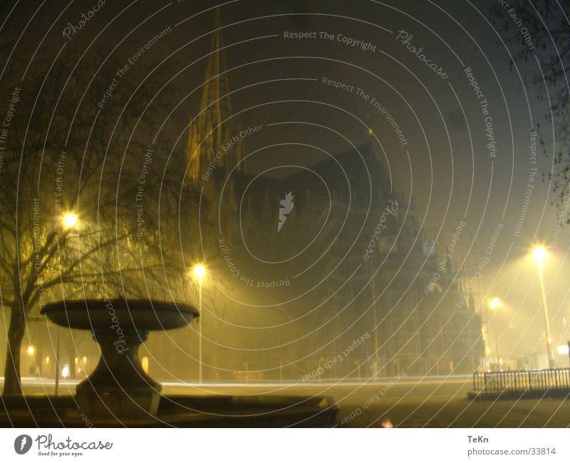 Christuskirche Nacht Brunnen Christentum erleuchten Erkenntnis Gotteshäuser Religion & Glaube