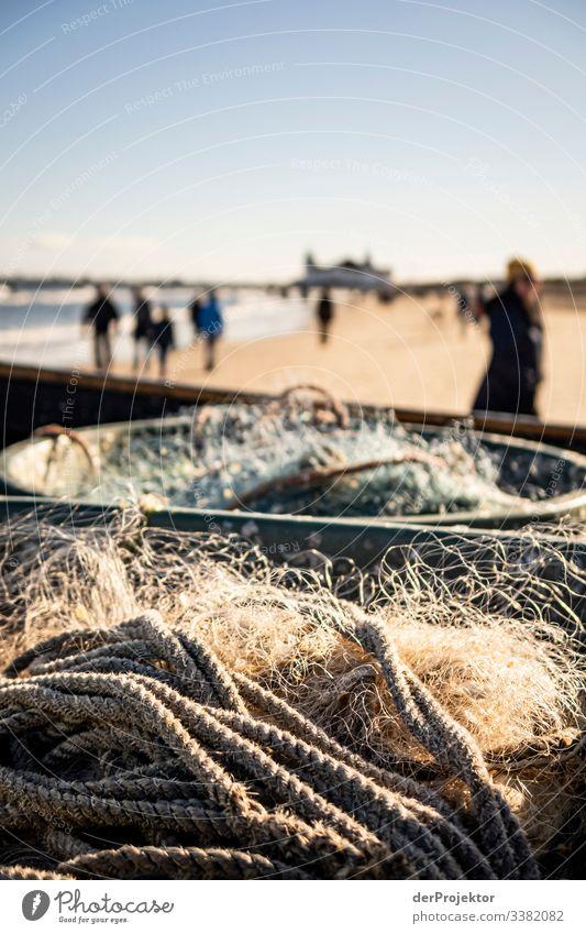 Fischernetze am Strand vom Ahlbeck Sonnenlicht Schatten Spaziergang Haken Seil Seeküste Seebrücke Usedom Sonnenaufgang Möwe Fischerboot Fischerei Winter