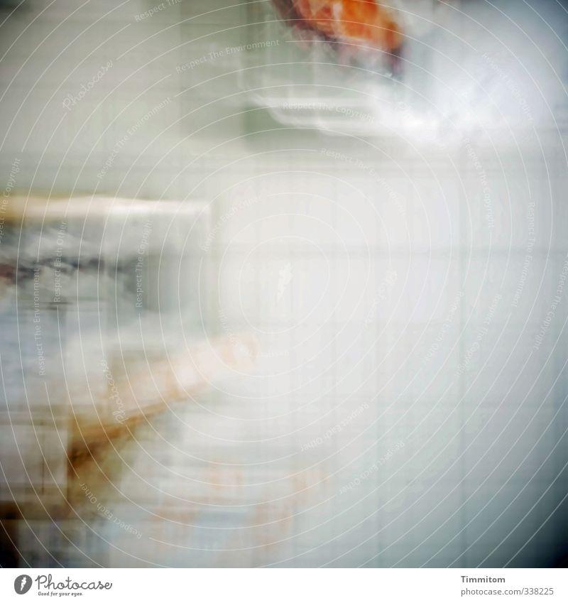 300. Wand Fliesen u. Kacheln Bewegung Blick hell weiß Gefühle träumen Neugier Irritation Unschärfe Perspektive tief Effekt Farbfoto Innenaufnahme Menschenleer