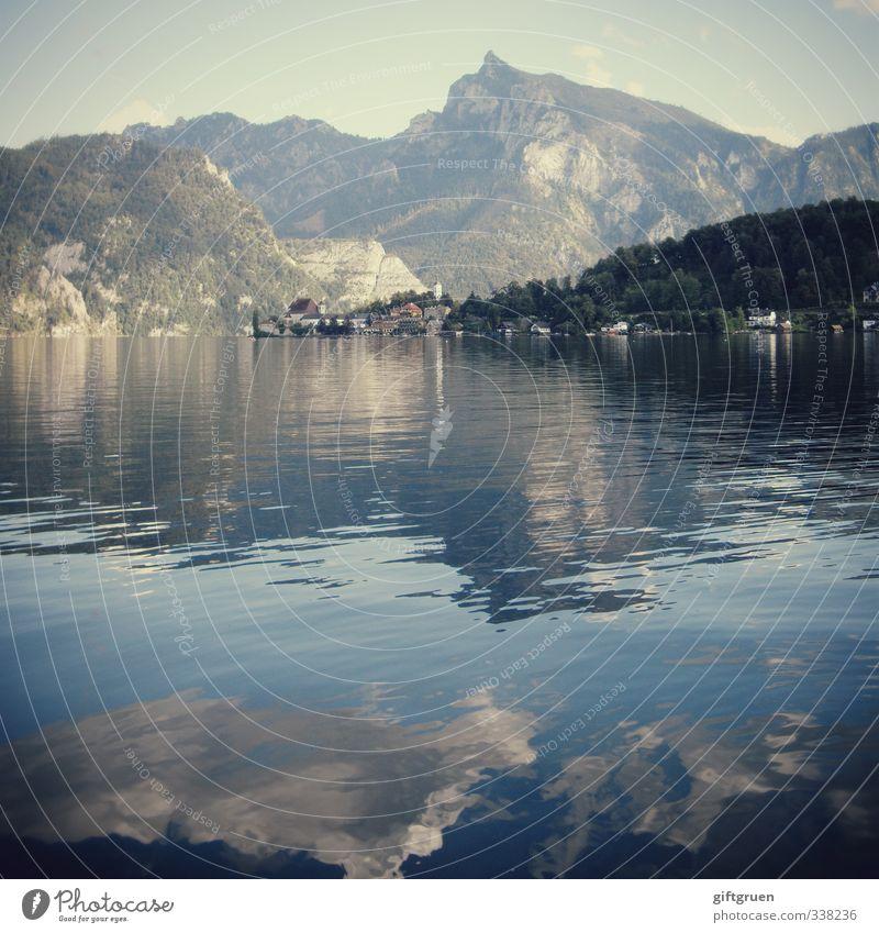 schlafende griechin Himmel Natur Wasser Sommer Baum Landschaft Wolken Wald Umwelt Berge u. Gebirge Schwimmen & Baden See Felsen Erde Idylle wandern