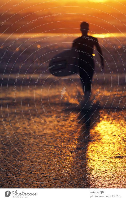 Sun Surf. Mann Wasser Sonne Meer Küste Kunst maskulin Zufriedenheit Wellen modern Idylle gold ästhetisch laufen Fitness Romantik