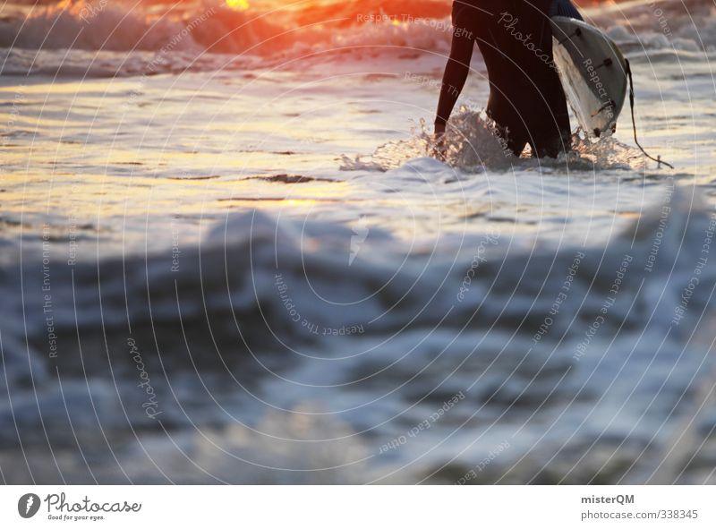 Going out V Kunst ästhetisch Zufriedenheit Surfen Surfer Surfbrett Surfschule Meer Wellen Wellengang Sommerurlaub Mann maskulin Sonnenstrahlen Sonnenuntergang