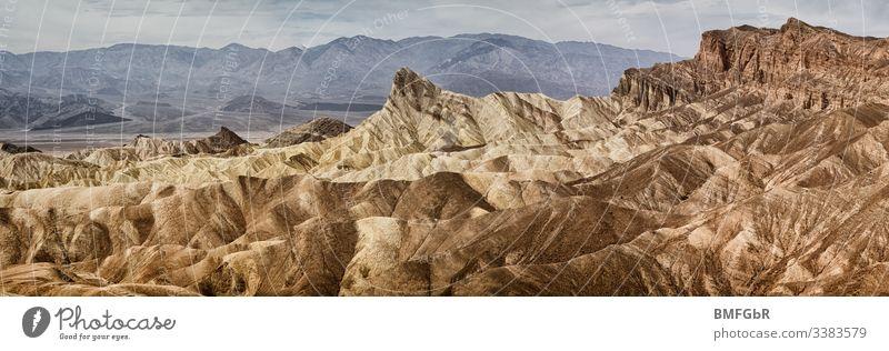 Tal des Todes Panorama vom Zabriskie Point von Felsformationen Stein Erhaltung Aussicht Sandstein Formation Wanderung Wandern Outdoor Hitze Canyon Abenteuer
