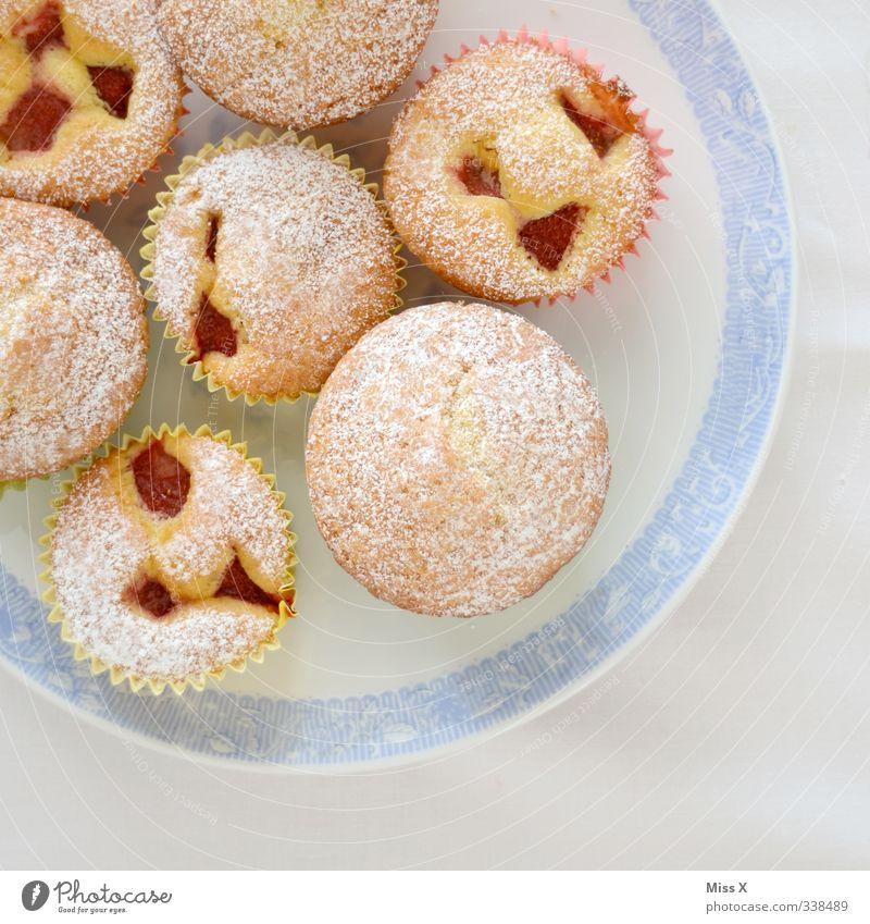 Muffins klein Feste & Feiern Lebensmittel Geburtstag Ernährung süß Hochzeit lecker Frühstück Kuchen Teller Backwaren Teigwaren Kirsche Büffet Brunch