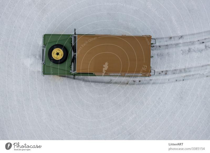 LAND ROVER SERIES IM NEUSCHNEE AUS VOGELPERSPEKTIVE land rover land rover series oldtimer 4x4 Abenteuer winter schnee neuschnee schneefahrbahn winterreifen
