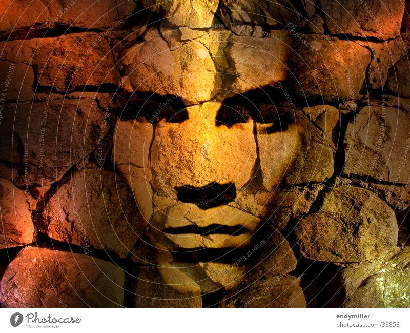 Gesicht an der Wand Collage Mann Bildbearbeitung Mauer Fototechnik