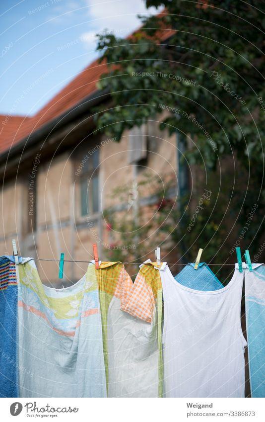 Wäscheleine Hausarbeit Landlust trocknen Klammern Wäscheklammern Garten Landleben