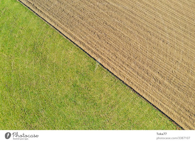 #Feld und Acker von Oben feld drone von oben agriculture Feldarbeit Felder Feldrand wald Bauernhof zwei Grass acker trennung natur deutschland linien textur
