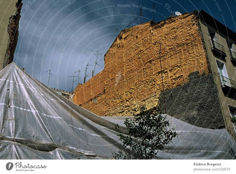 Ohne Titel Himmel gelb Wand Stimmung Fototechnik Madrid