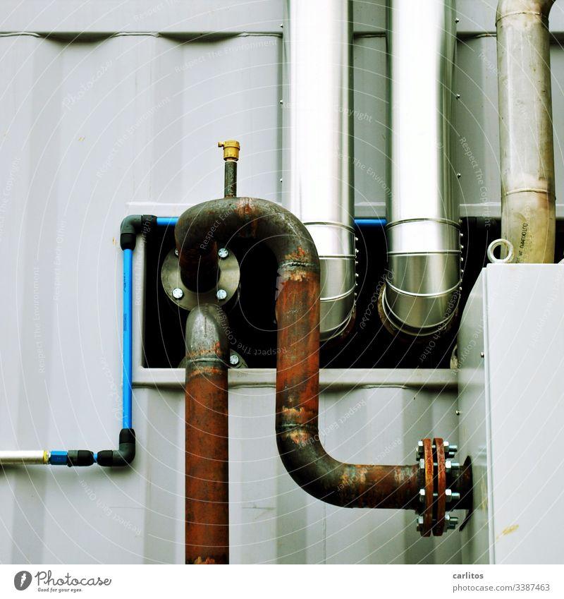 Rohre, Rohre, Rohre ..... Industrie Industrieanlage Leitungen gebogen Anschluss Verschraubung Rost Edelstahl Abluft Zuluft Technik Metall Technik & Technologie