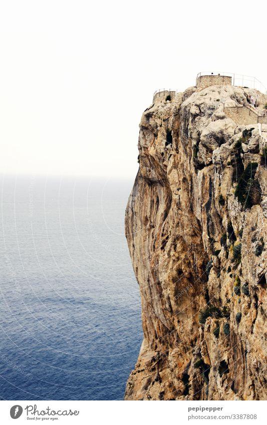 Fels auf Mallorca Cap Formentor auf Mallorca Meer Küste Außenaufnahme Landschaft Aussicht Felsen Himmel Natur Wasser Ferien & Urlaub & Reisen Mittelmeer Spanien