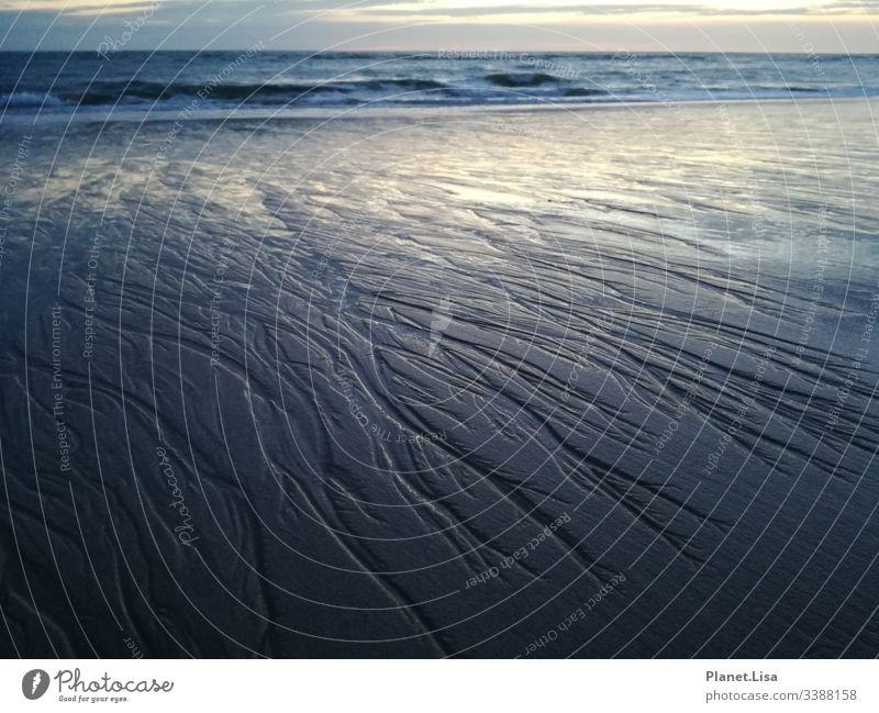 Lebenslinien - Meer - Strand Sog Wellen Sonnenuntergang Ebbe Flut Wasser Sand Ferien & Urlaub & Reisen Küste Gezeiten Nordsee Himmel Wolken Natur Erholung Ferne