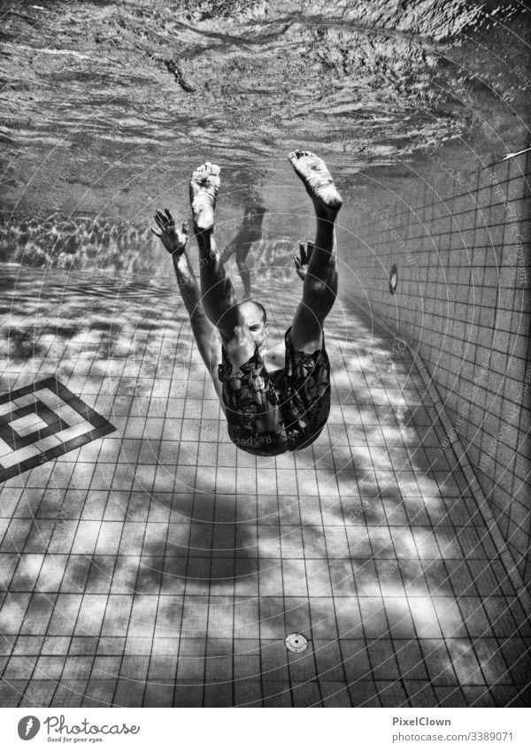 Abgetaucht Taucher tauchen Wasser Wassersport Schwimmen & Baden Schwimmbad Schnorcheln Ferien & Urlaub & Reisen
