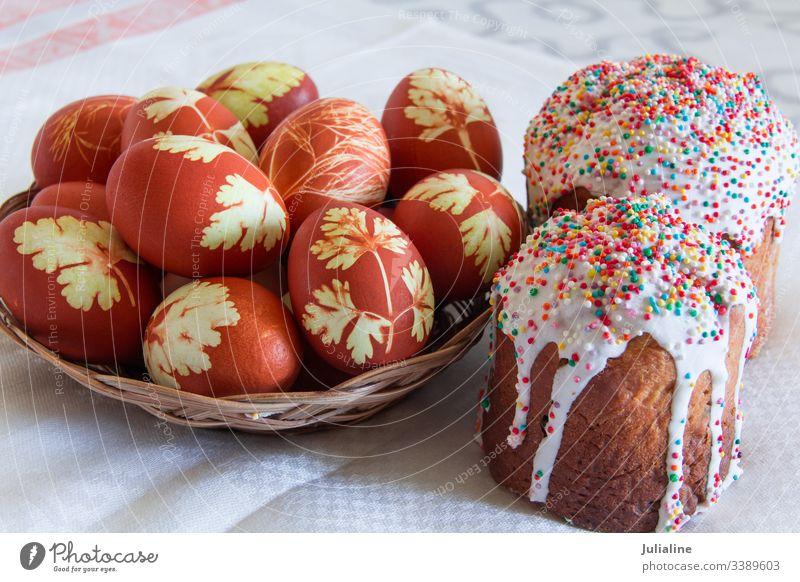 Ostereier und Kuchen Ostern Feiertag Orthodoxie Ei christian Christentum Dekoration & Verzierung Religion kulich culich Zucker Pasteten Farbe Lebensmittel
