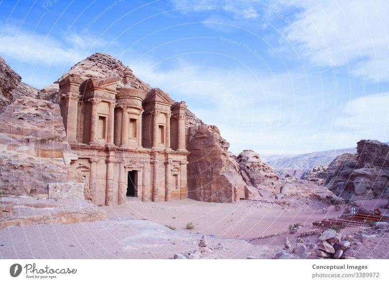 Nahaufnahme des Al-Dier-Klosters von Petra, Jordanien, Asien. al-mehr unesco antik reisen Tourismus Architektur Historie Osten Erbe alt Mitte Kultur Archäologie