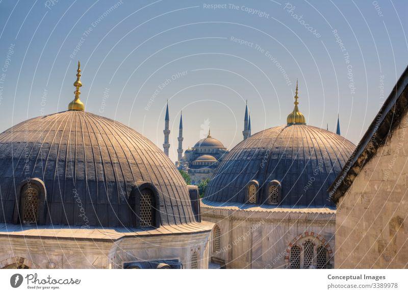 Hochansicht der Blauen Moschee, Istanbul, Türkei. Asien. Ahmed antik arabisch architektonisch Architektur blau Blaue Moschee blaue moschee istanbul Großstadt