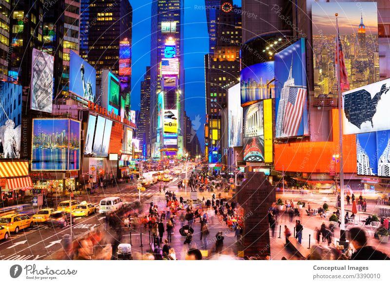 New Yorker Ikonen auf dem Times Square in der Abenddämmerung - (mit Bildern des Künstlers erstellt) New York State New York City USA Reisefotografie